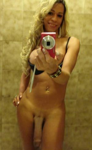 Sexy transex blonde à rencontrer à Reims 51100
