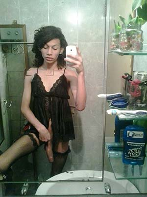 Tranny noir pour sexe anal, à Paris (19 ième)